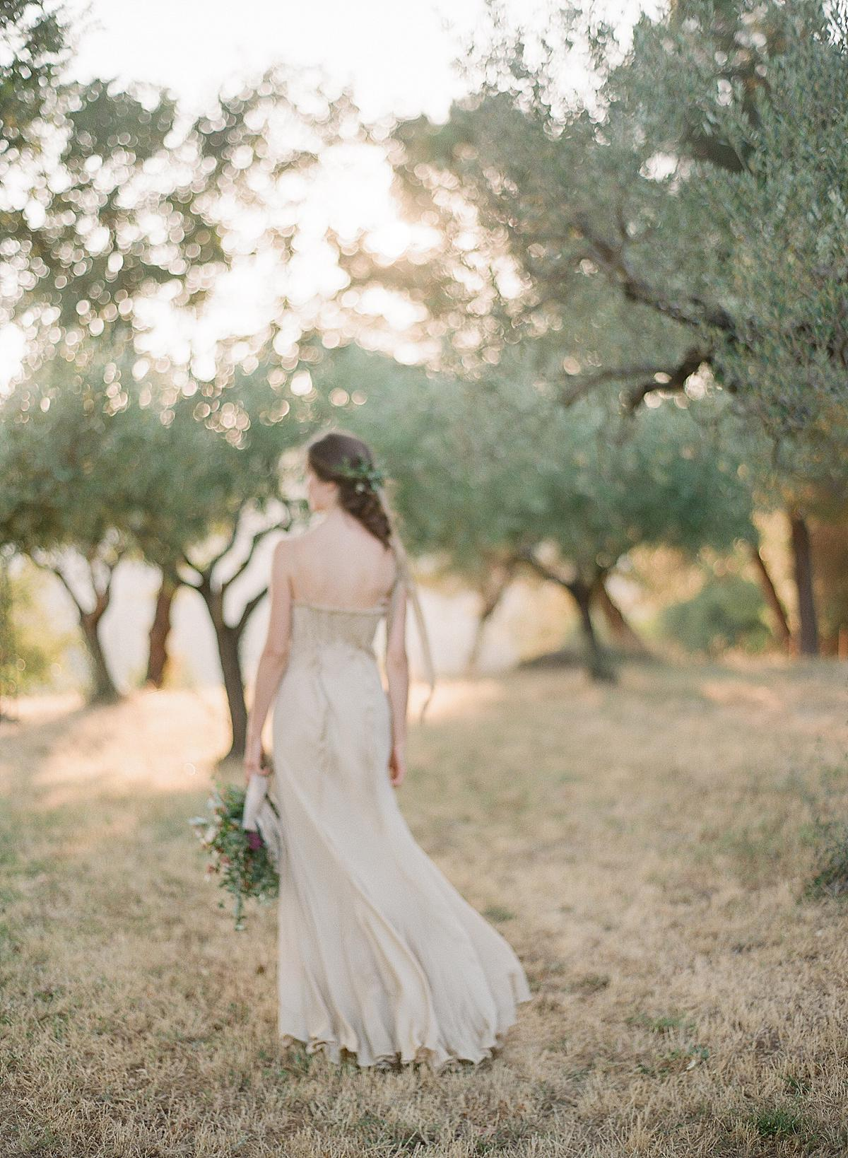 bride in amazing tuscany light